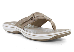 beach bound or poolside womens clarks breeze sea thong greystone