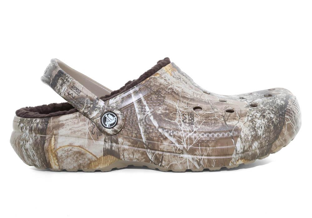 0ea673bd54bbd7 Crocs   Mens Crocs Classic Lined Realtree Edge Clog