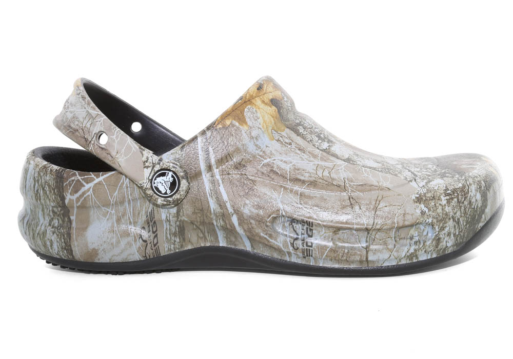 20ff470fd Mens Crocs Bistro Realtree Edge Clog in Camouflage
