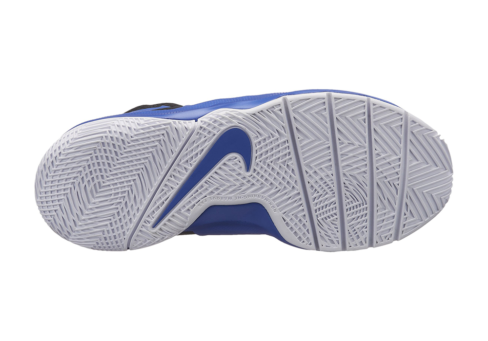 new style 4cb32 aa7f6 Big Boys Nike Team Hustle D 8 Mid Basketball Royal Black in Blue