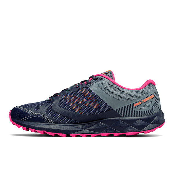 New Balance Wt Winter Trail Running Shoes Womens