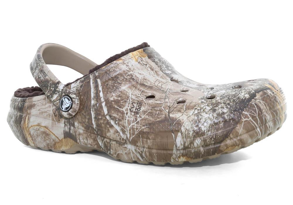 ed684762ec07 Crocs   Mens Crocs Classic Lined Realtree Edge Clog