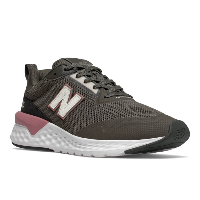 new balance women's athletic shoes